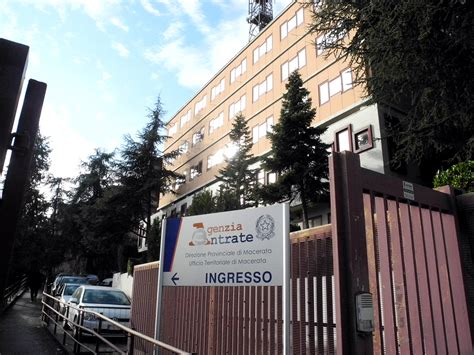 Sede Agenzia Delle Entrate Roma by Cappotti E Stufette All Agenzia Delle Entrate Cento