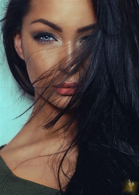 girl with black hair blue eyes beauty miladies net