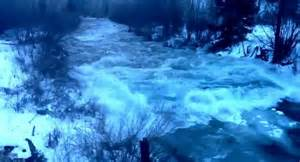 boat crash colorado river cause frozen water crashes down colorado river as rare winter