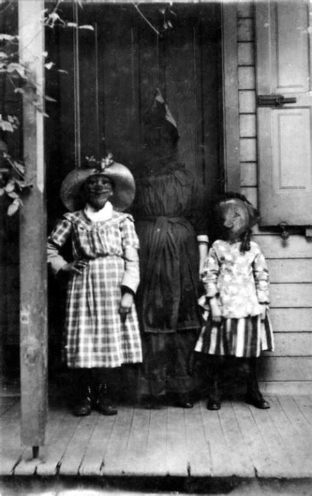 Creepy Vintage Halloween Photos (122 Pics) - Part 6
