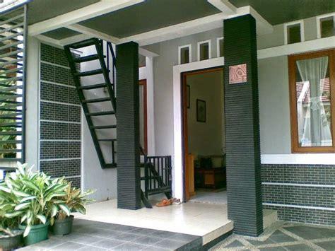 desain depan rumah kontrakan desain tiang dan keramik teras rumah minimalis 2016