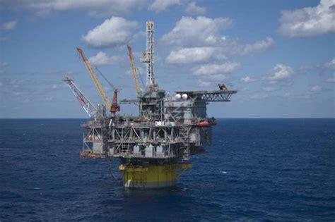 biggest drillships in the world p 233 trole shell autoris 233 224 forer au large de l alaska