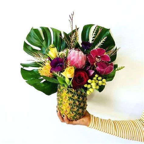17 best ideas about tropical flower arrangements on tropical flower arrangements centerpieces best tropical