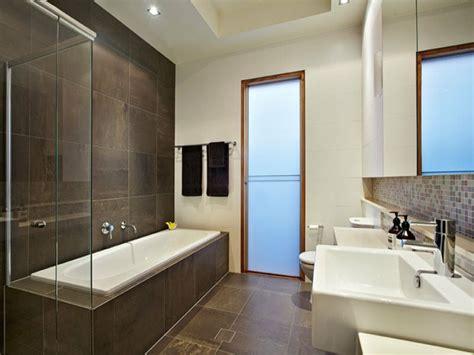 Beau Idee Salle De Bain Douche Italienne #4: idée-carrelage-salle-de-bain-faire-à-soi-même-professionnel-grand-carrelage1.jpg