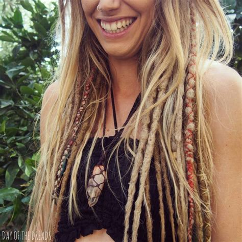 25 best ideas about synthetic dreads on pinterest 25 best ideas about coiffure dreadlocks on pinterest