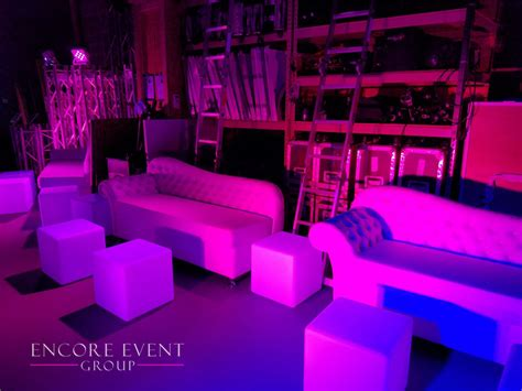 Michigan White Lounge Furniture Rentals   Couches   Thrones