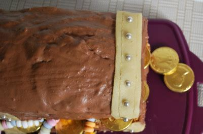 kinderspiele kuchen backen schatztruhe kuchen kinderspiele welt de