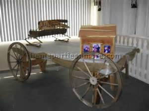 Covered Wagon Buffet Table Western Tabletop Decorations