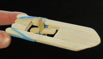 bootje zelf maken een houten peddel bootje maken van ijsstokjes kiekoe