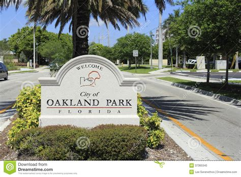 park oakland oakland park florida welcome sign editorial image image 37365340