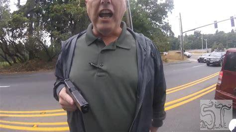 Britneys Security Pulls Gun On Photographer by Officer On Leave After Pulling Gun On Biker Cnn