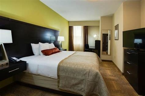 2 bedroom suites in atlanta ga two bedroom suite king bed picture of staybridge suites
