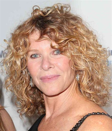 Kate Capshaw Hairstyles 2015 | kate capshaw style 2015 bestcelebritystyle com