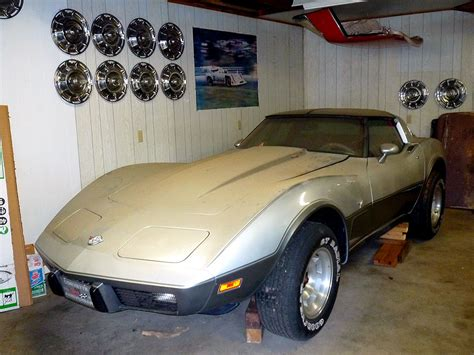 barn find this 1978 silver anniversary corvette has 4 1