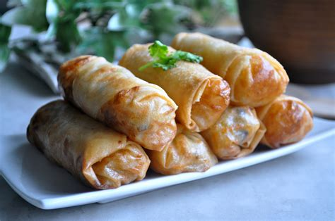 Would You Rather Eat Fresh Or Fried Rolls by Fried Rolls 炸春卷 Eat What Tonight