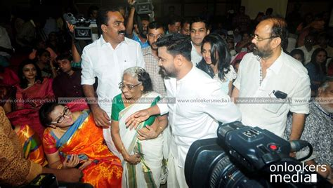 Marriage Stills New by Dileep Kavya Madhavan Wedding Stills Photos Onlookersmedia