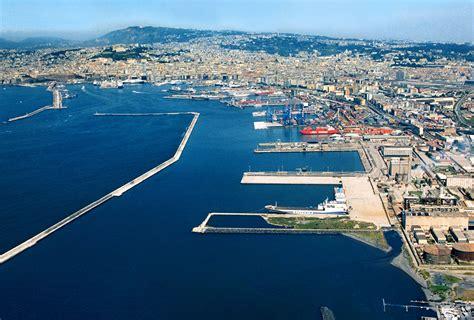 terminal porto napoli napoli terminal di levante litorale quartiere di san