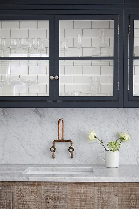 5 scenarios where a matching countertop backsplash makes