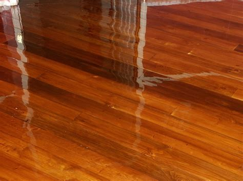 Flooring & Rugs: Recommended Waterlox Floor Finish For