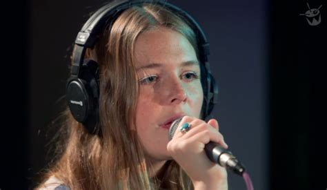 maggie rogers years maggie rogers cover the xx s say something loving stereogum