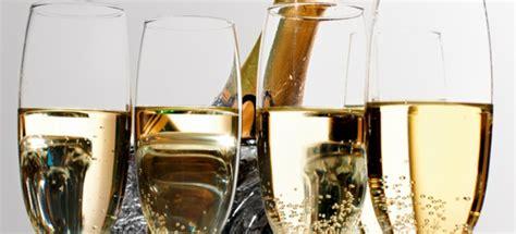 bicchieri prosecco prosecco vs chagne alla conquista della gran bretagna