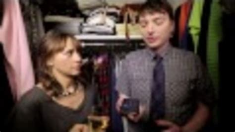 7 Minutes In The Closet by Rashida Jones Steps Into The Closet For A Of 7 Minutes In Heaven