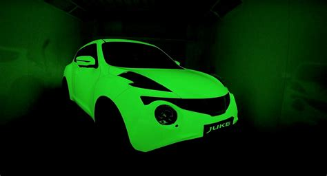 glow in the car paint uk glow in the nissan jukes used as canvas by two