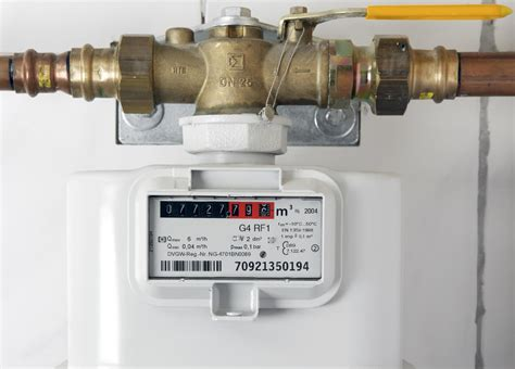 how to shut off gas to house shutting off the gas supply at the main shutoff valve