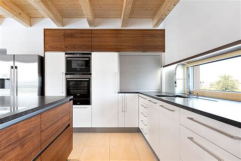 corian holz emejing k 252 che mit holz gallery house design ideas