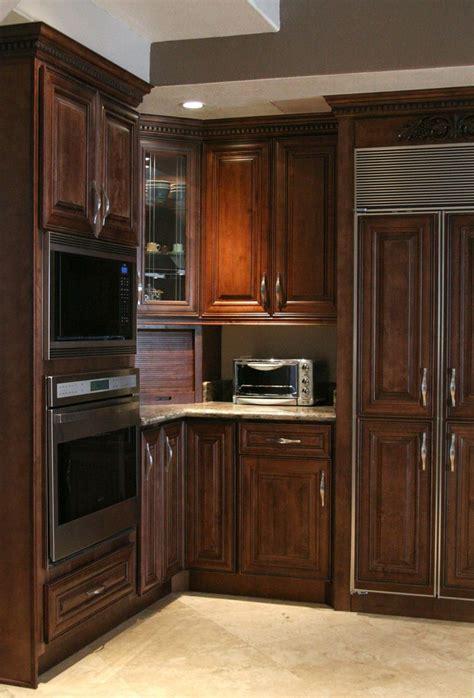 wholesale kitchen cabinets chocolate maple glaze kitchen 46 best maple cabinets images on pinterest maple