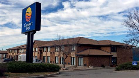comfort inn saskatoon couple claims discrimination says saskatoon hotel denied