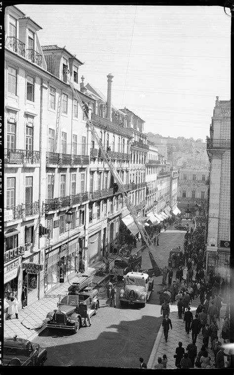 Inçêndio, Chiado, Lisboa, 1954 | Lisboa antiga, Fotos de