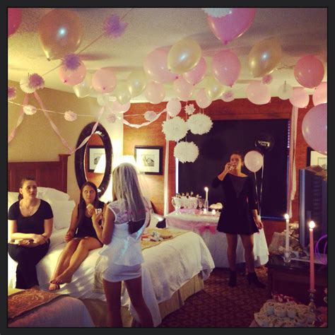 Bachelorette Decoration Ideas by Best 25 Hotel Bachelorette Ideas On