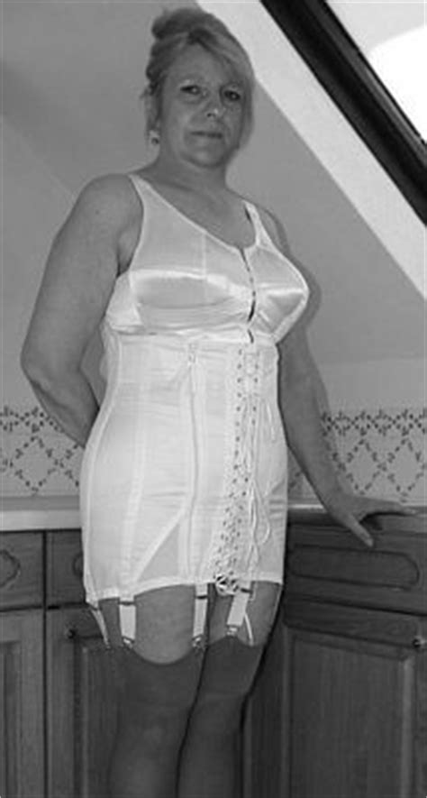 old ladys in corsets pics 305 best images about str 252 mpfe am h 252 fthalter on pinterest