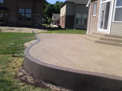 Aggregate Patio by Raised Exposed Aggregate Patio With Accent Border