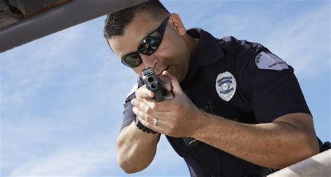 the point of the gun the definitive shooting guide to choosing firearms for self defense books dallas cops will not charges for shooting and killing
