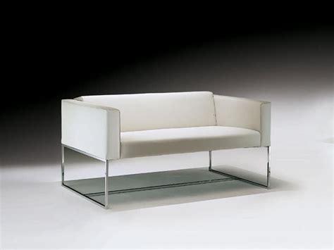 divanetti design divanetto con tubolare quadrato in acciaio per sala