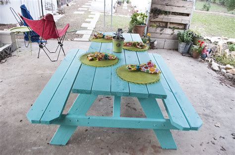 how to paint picnic table