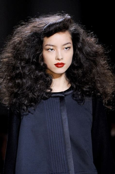 Elizabethan Era Hairstyles by Royalty Contemporary Elizabethan Hair Curls