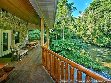 pigeon forge cabin riverside lodge 5 bedroom sleeps 21