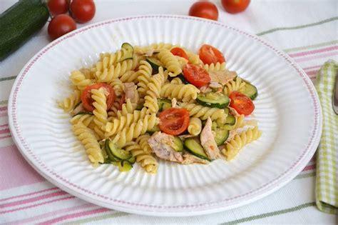 cucinare la pasta con il bimby ricetta bimby pasta con zucchine e tonno ricette utili