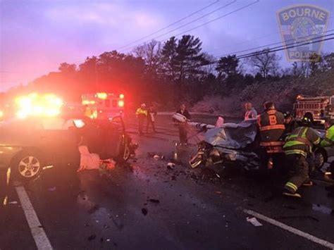 car crash cape cod 6 injured some seriously in cape cod two car crash