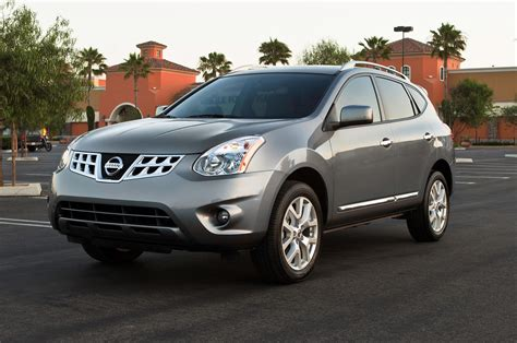 nissan cars 2014 2013 nissan rogue reviews and rating motor trend