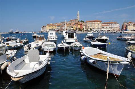 porto croazia porto di rovigno croazia fotografia stock editoriale