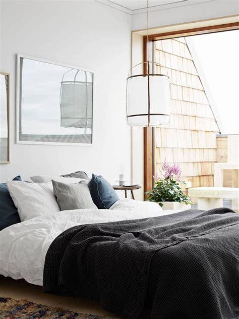 cozy bedroom naturally cozy bedroom design