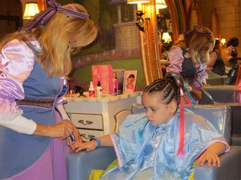 Bibbity Bobbity Boutique Hairstyles by Momma Drama A Visit To The Bibbidi Bobbidi Boutique