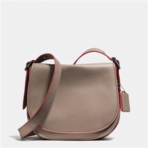 9170 Bag Black coach saddle bag in glovetanned leather in black lyst