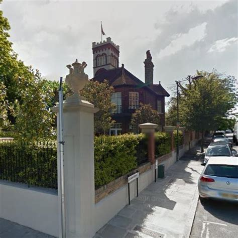Classic American House by Holly Willoughby S House In London United Kingdom Google