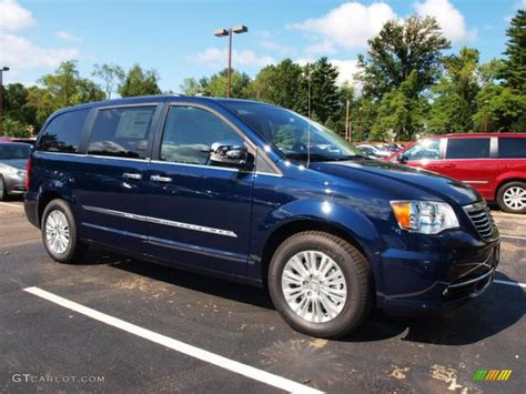 Chrysler Town And Country 2013 by 2013 Chrysler Town And Country Blue Www Imgkid The