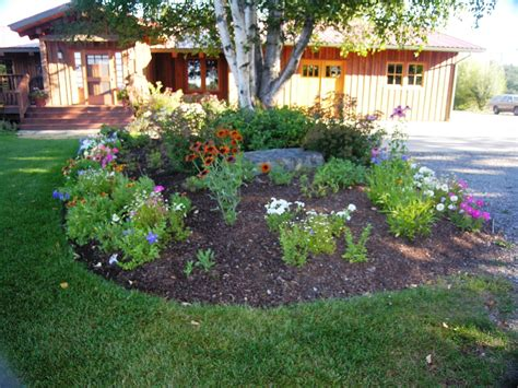 simple flower bed ideas flower bed landscaping flower beds desert landscape ideas